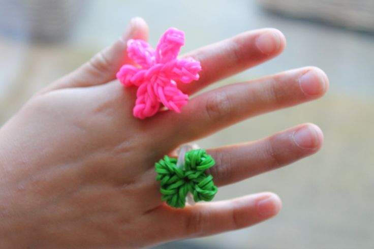 Set of 2 Cute Flower Loom Rings