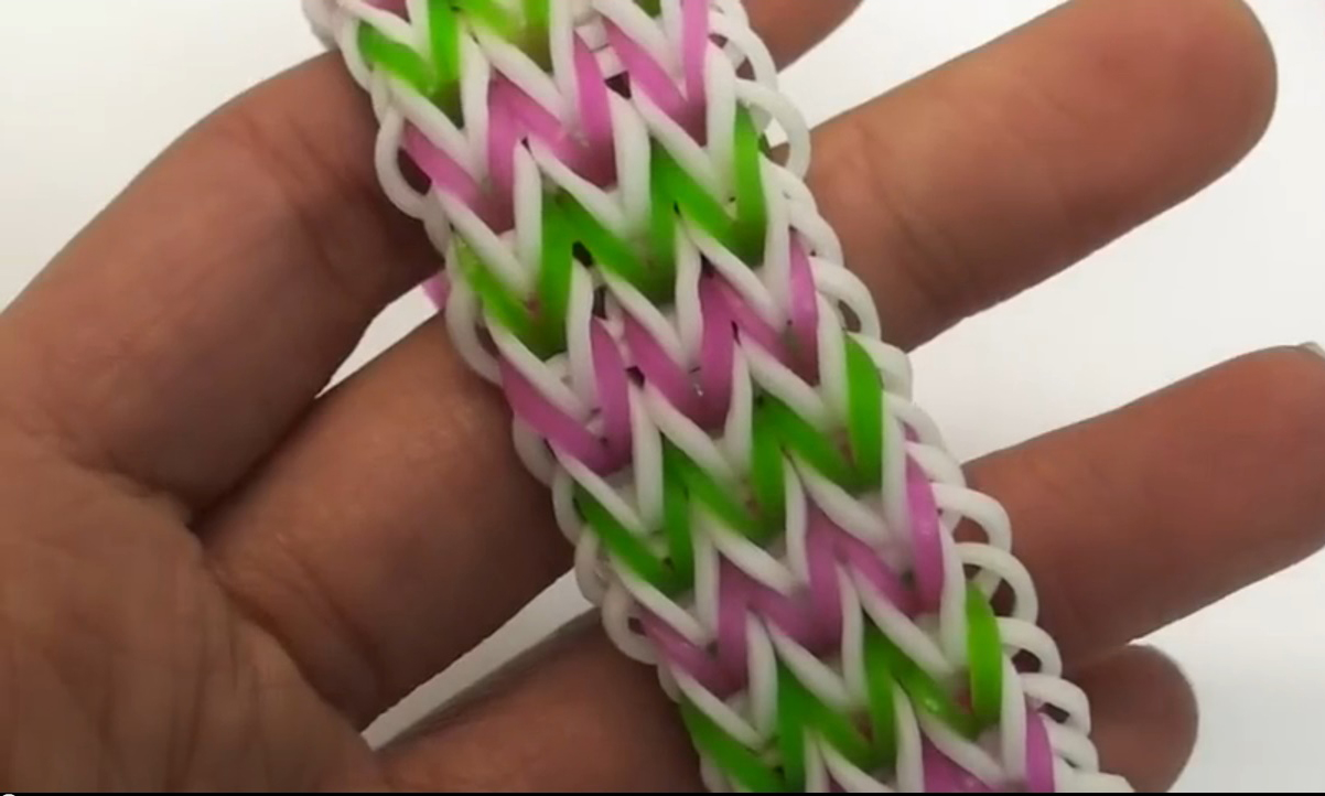 Easy Triple Fishtail Bracelet Rainbow Loom Tutorial