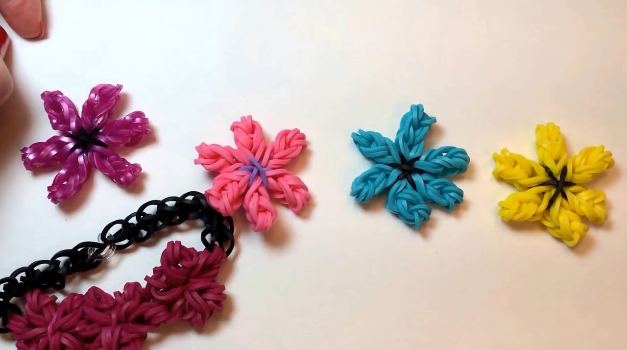 Lily Flower Charm Loom Tutorial